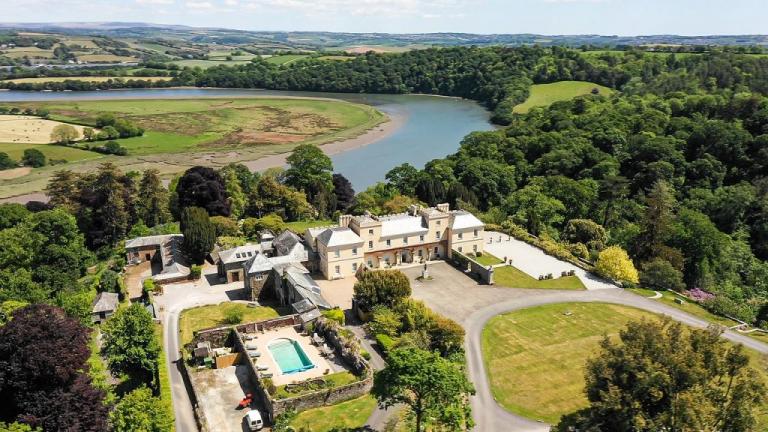 Cornish castle to rent