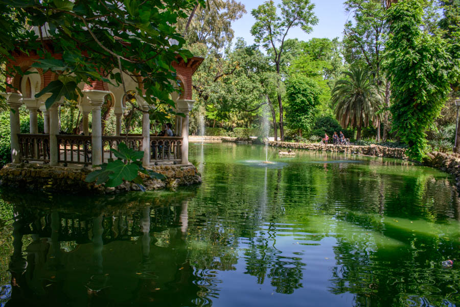 Lets bike around el parque de Maria Luisa, Seville - Journey of a Nomadi...