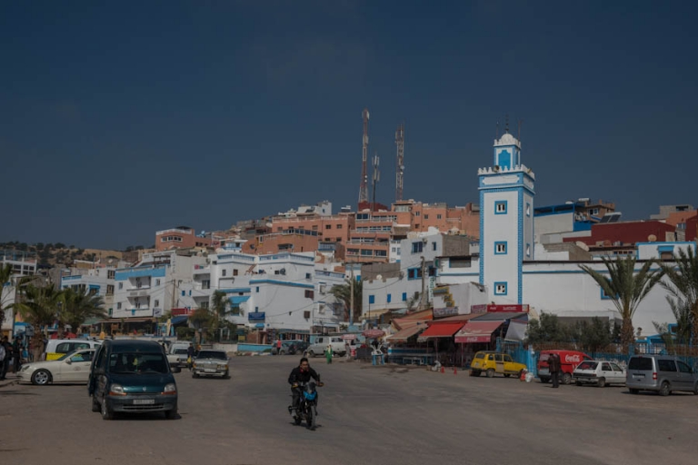 Should you stay in Taghazout? This is the town with its white mosque