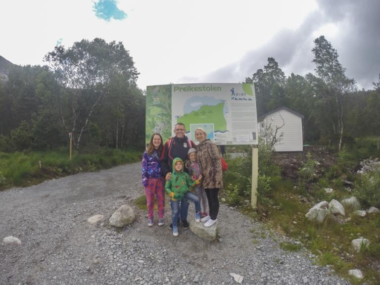 Family of 5 at Preikestolen in the rain